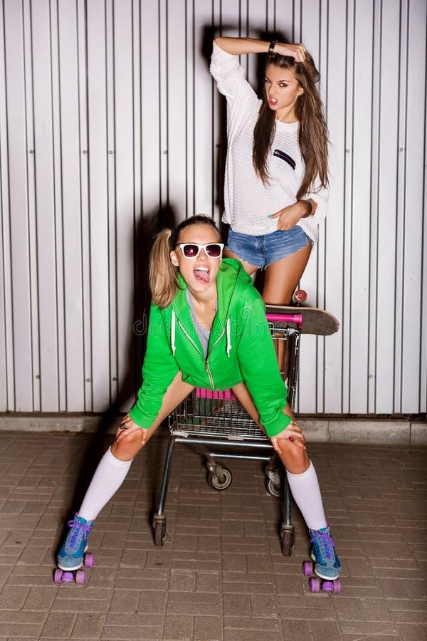 Meninas impertinentes fotografia de stock royalty free
