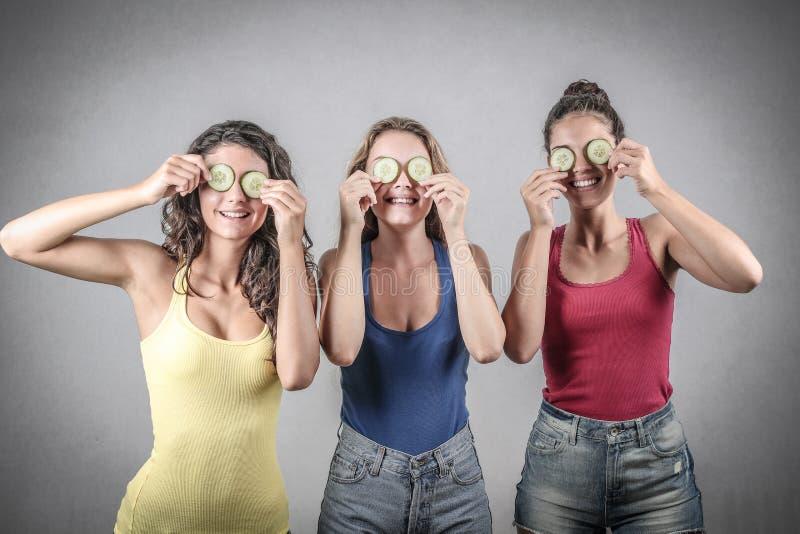 Meninas que têm o divertimento imagem de stock royalty free