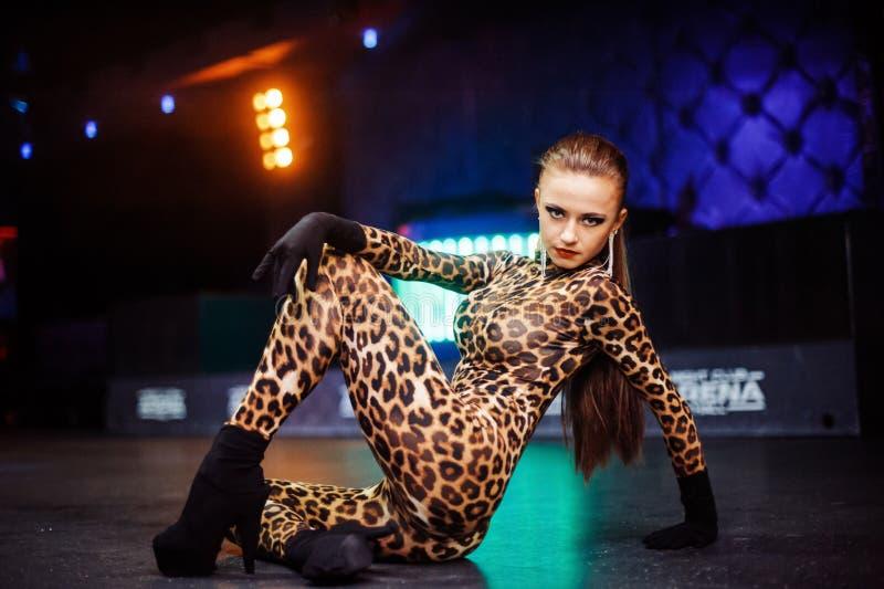 Meninas 'sexy' no clube fotografia de stock royalty free