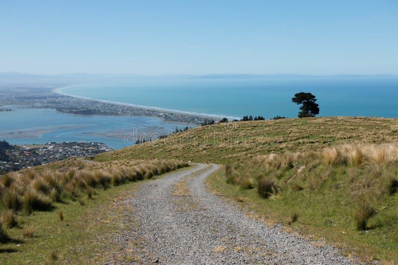 Mening aan Pegasus-Baai en Christchurch vanaf heuvelbovenkant royalty-vrije stock afbeelding