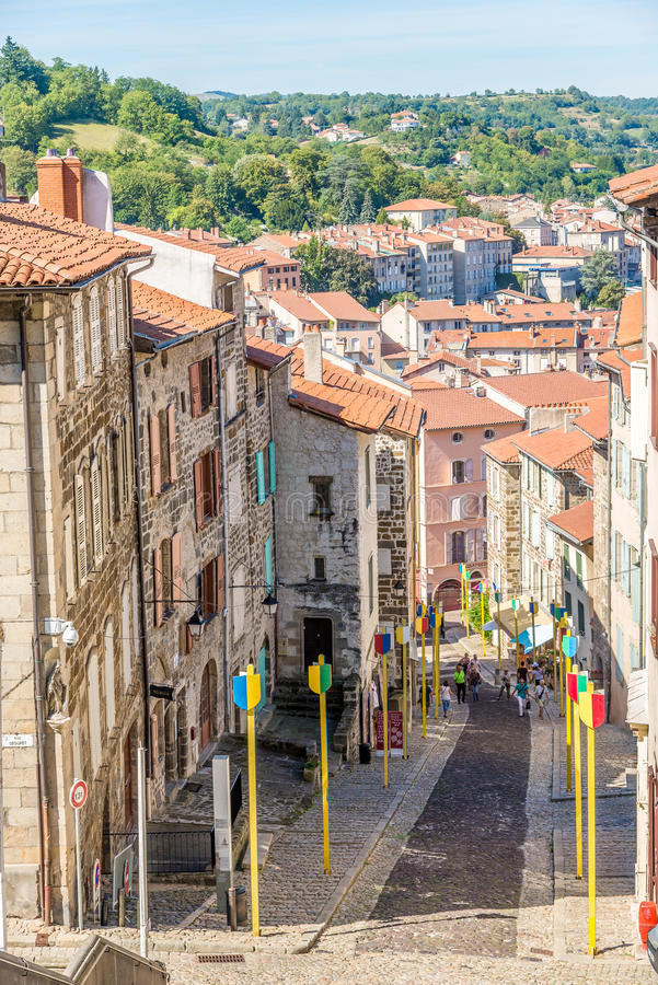 Mening bij de straat van Le Puy Engelse Velay - Frankrijk stock afbeelding