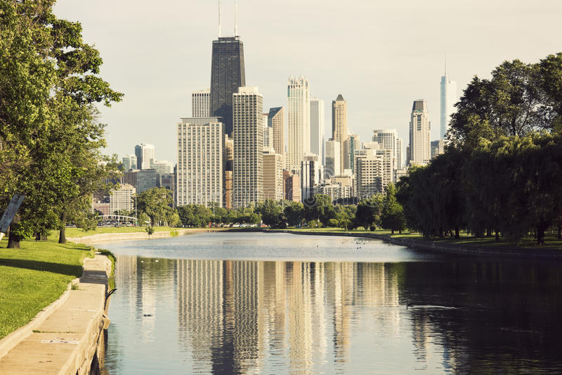 Mening de van de binnenstad van Chicago van het Park van Lincoln stock foto's