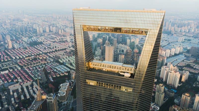 Mening door Venster van Shanghai aan Laag Stijgings Woondistrict stock fotografie