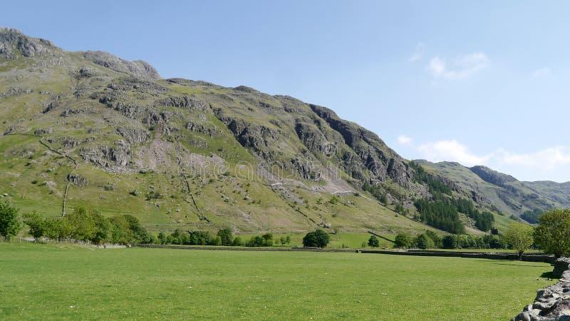 Mening met groot scherm aan Raven Crag, Grote Langdale royalty-vrije stock foto's