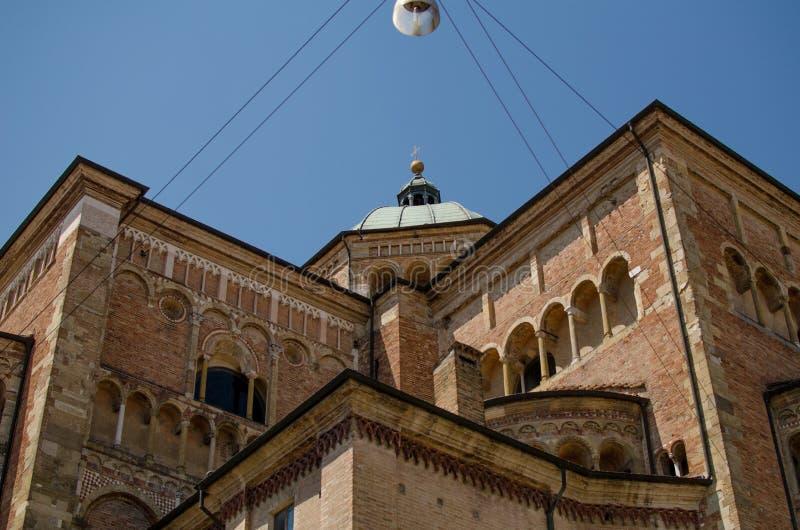 Mening omhoog van Duomo van Parma, Emilia-Romagna, Italië royalty-vrije stock foto's