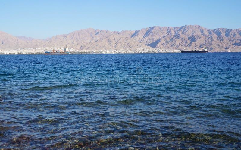 Mening op Eilat-golf stock afbeelding