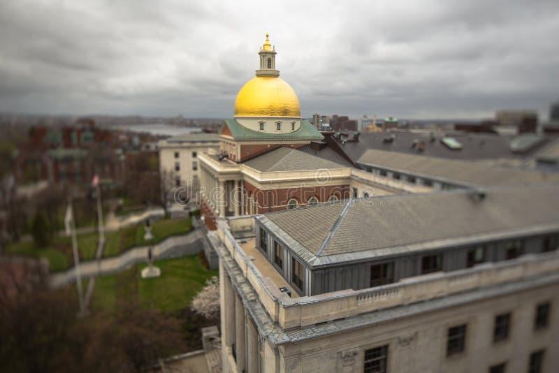 Mening op het huis van de staat van Massachusetts en de Nieuwsdienst , Boston stock foto