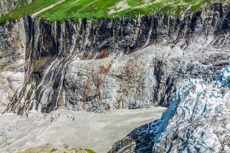 Mening over Argentiere-gletsjer Wandeling aan Argentiere-gletsjer met Th royalty-vrije stock fotografie