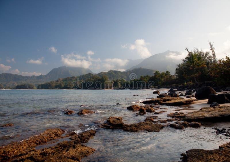 Mening over Baai Hanalei stock foto