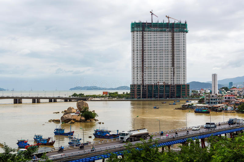 Mening over Cai rivier en de stad van brugnha Trang royalty-vrije stock afbeeldingen