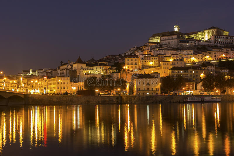Mening over Coimbra in Portugal stock foto