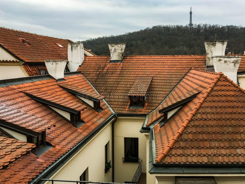 Mening over daken in Praag royalty-vrije stock afbeeldingen