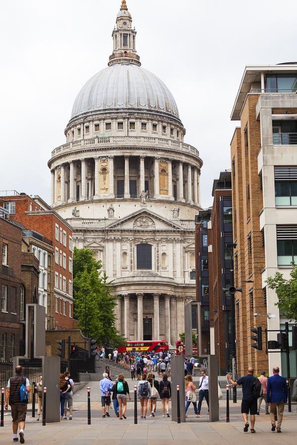 Mening over 18de eeuw St Paul Cathedral, Londen, het Verenigd Koninkrijk stock foto