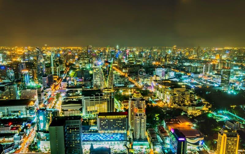 Mening over de grote Aziatische stad van Bangkok stock foto