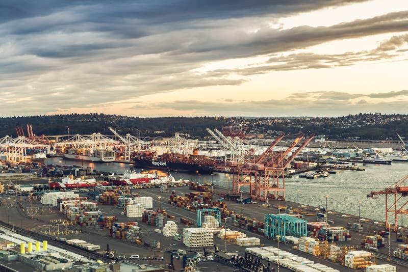 Mening over de haven van Seattle van Smith Tower stock fotografie