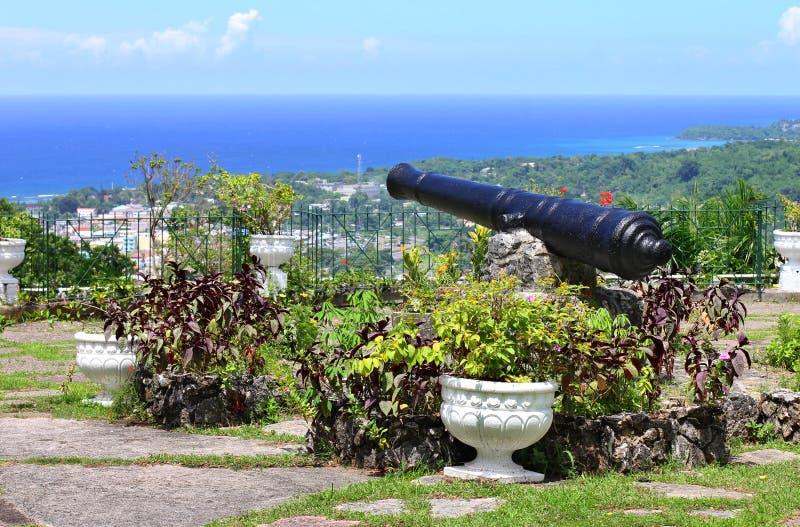 Mening over de havenstad van Ocho Rios van Shaw Park Botan royalty-vrije stock foto's