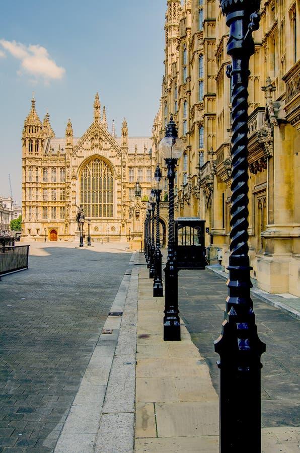 Mening over de oude paleiswerf aan de zaal van Westminster, huis van het parlement royalty-vrije stock foto's
