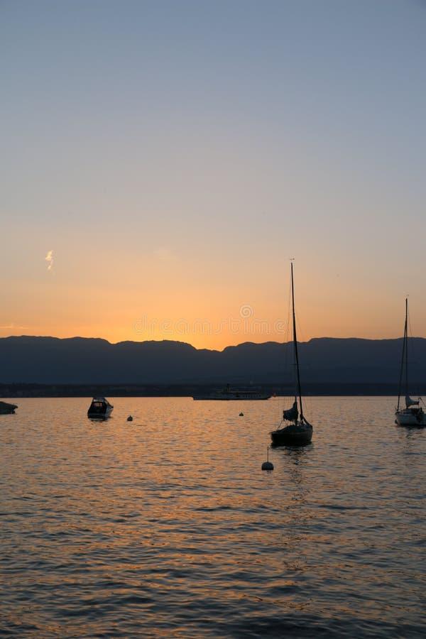 Mening over het meer (Zwitserse) Leman stock afbeeldingen