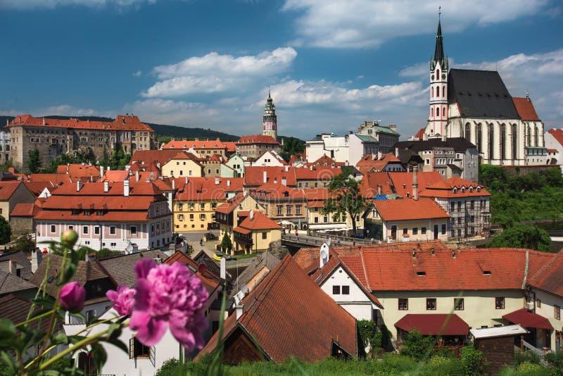 Mening over historisch centrum van Cesky Krumlov europa royalty-vrije stock afbeelding