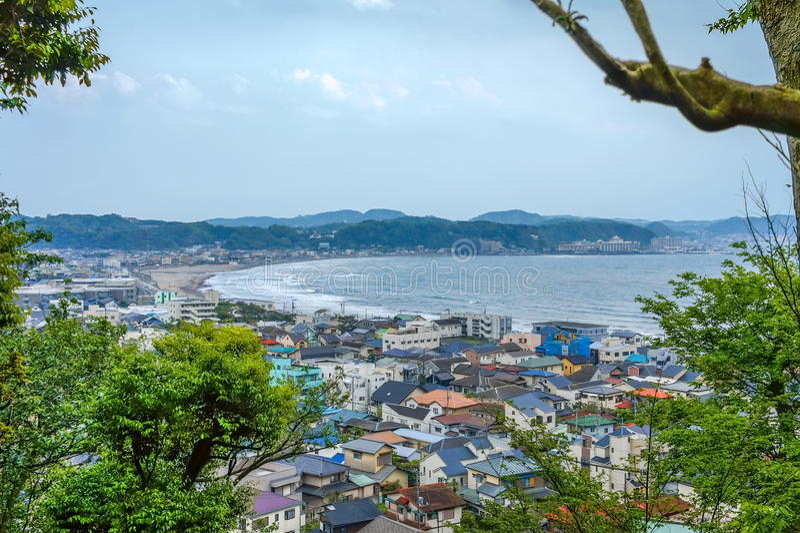 Mening over Kamakura kust in Kanagawa-prefectuur, Japan royalty-vrije stock afbeelding