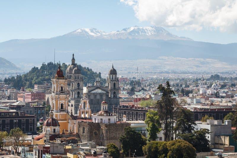 Mening over koloniaal historisch centrum van Toluca stock afbeelding