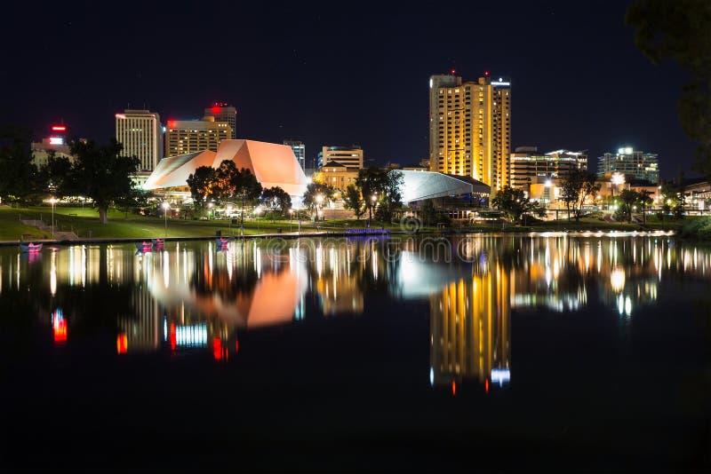 Adelaide bij nacht stock afbeelding