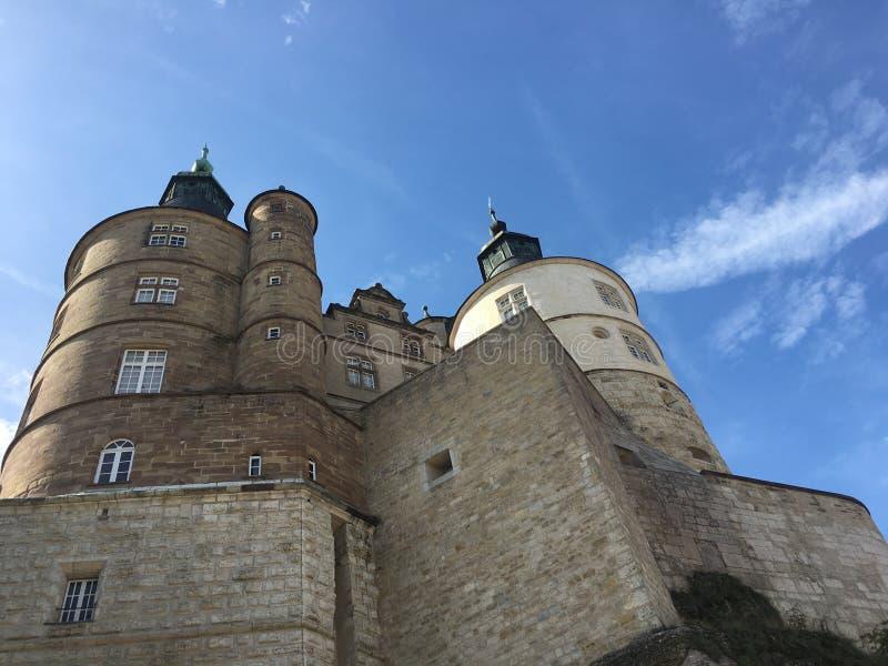 Mening over Montbeliard-kasteel op zonnige dag in Doubs Frankrijk royalty-vrije stock afbeeldingen