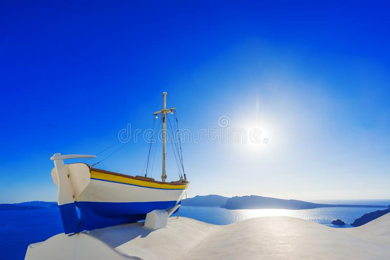 Mening over Oia in Santorini royalty-vrije stock afbeeldingen