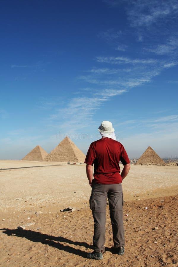 Mening over piramide royalty-vrije stock afbeelding