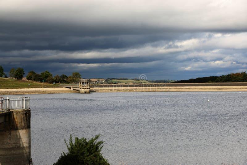 Mening over Reservoir stock foto