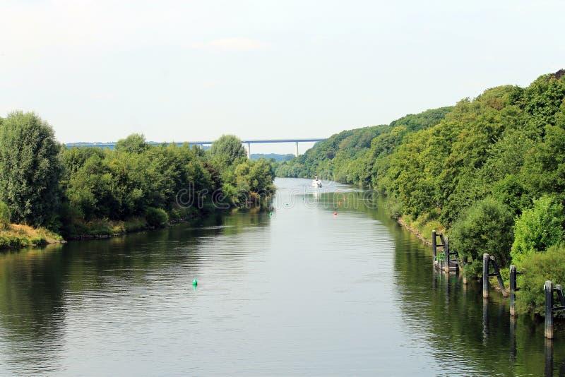 Mening over Ruhr in Kettwig stock foto's