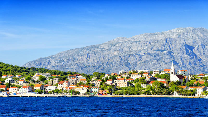 Mening over Sumartin-dorp op Brac-Eiland, Dalmatië, Kroatië royalty-vrije stock afbeeldingen
