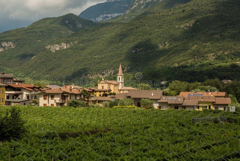 Mening over traditioneel Italiaans dorp stock foto