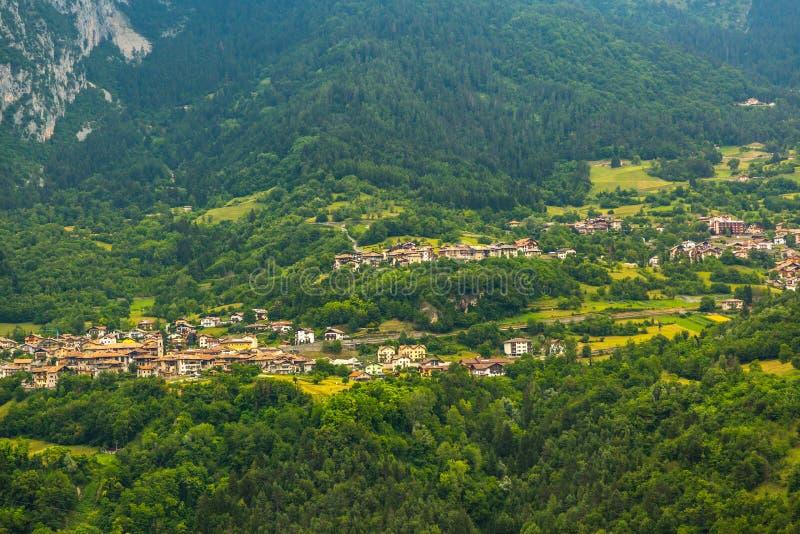Mening over traditioneel Italiaans dorp royalty-vrije stock foto
