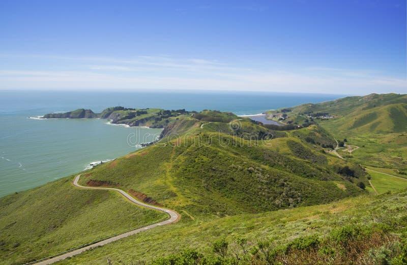 Mening over Vreedzaam oceaan en Punt Bonita, Californië, de V.S. royalty-vrije stock afbeelding