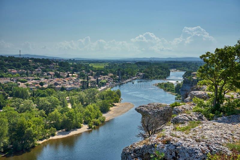 Mening van Aigueze Cliff At The Ardeche River Frankrijk royalty-vrije stock afbeeldingen