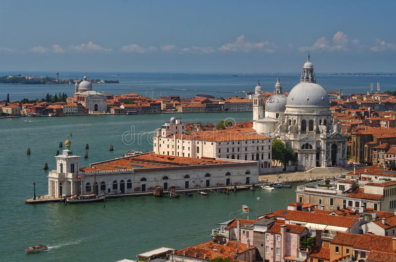 Mening van Basiliekdi Santa Maria in Venetië, Italië royalty-vrije stock afbeeldingen