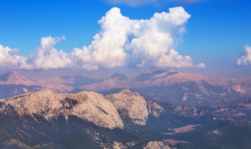 Mening van berg Tahtali stock foto