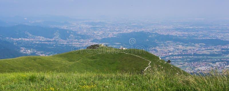 Mening van Bergamo stock foto