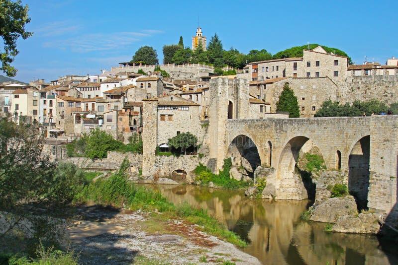 Mening van Besalu-dorp Catalonië, Spanje stock afbeeldingen