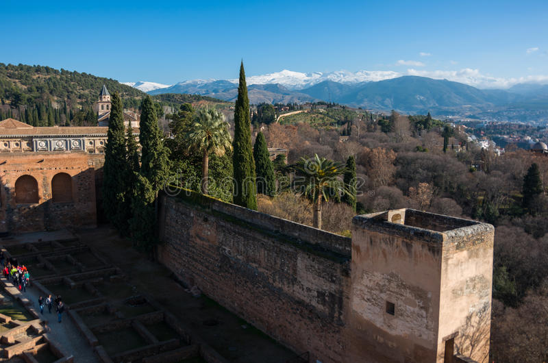 Mening van binnenplaats, muren en toren van Alcazaba, citadel van Alham royalty-vrije stock foto