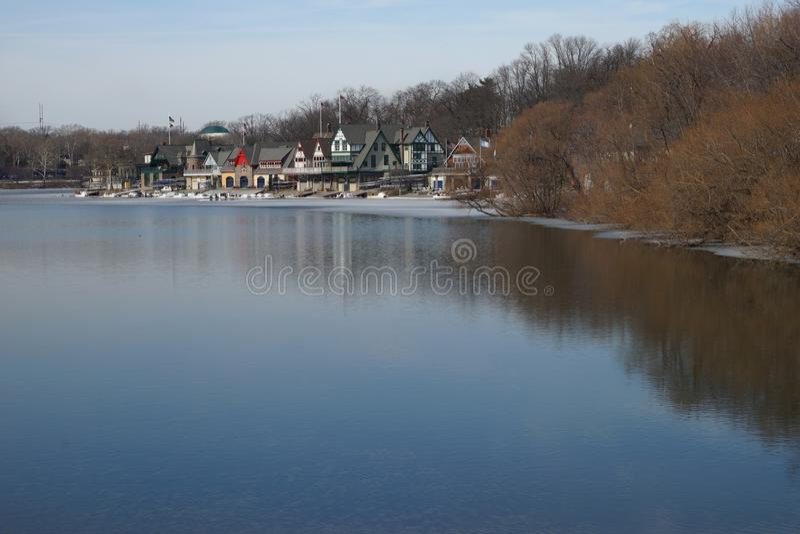 Mening van botenhuisrij, Philadelphia in de winter royalty-vrije stock fotografie