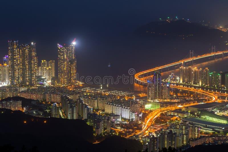 Mening van Busan van hierboven bij schemer royalty-vrije stock foto