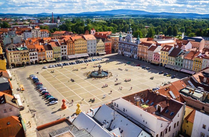 Mening van centraal stadsvierkant in Ceske Budejovice, Tsjechische republiek stock fotografie