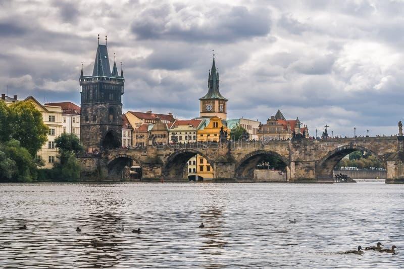 Mening van Charles Bridge, Praag, Tsjechische Republiek royalty-vrije stock foto