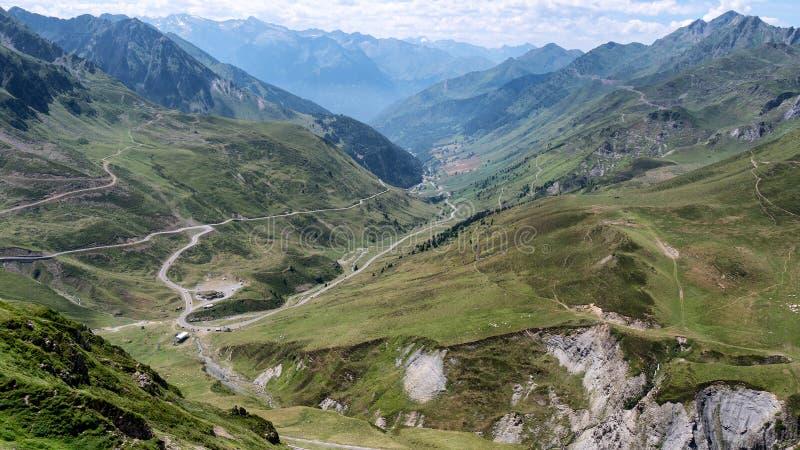 Mening van Col. du Tourmalet in de bergen van de Pyreneeën royalty-vrije stock fotografie