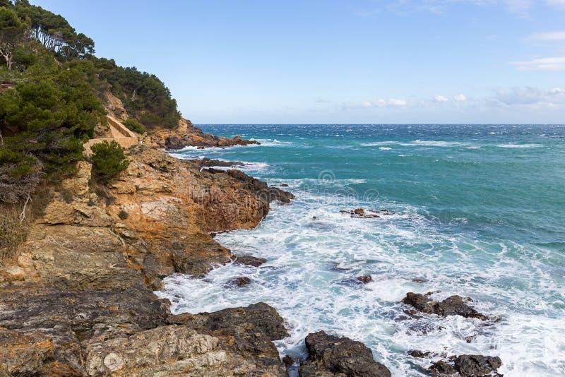 Mening van Costa Brava van Cami de Ronda stock fotografie