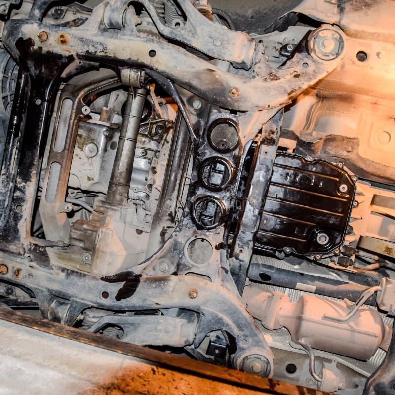 Mening van de auto van onderaan stock foto