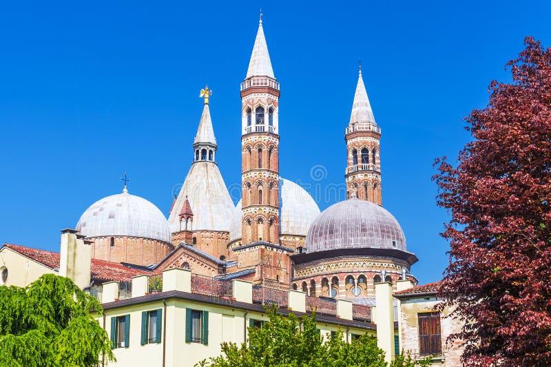 Mening van de Basiliek van Santa Giustina van Padua, Italië stock foto
