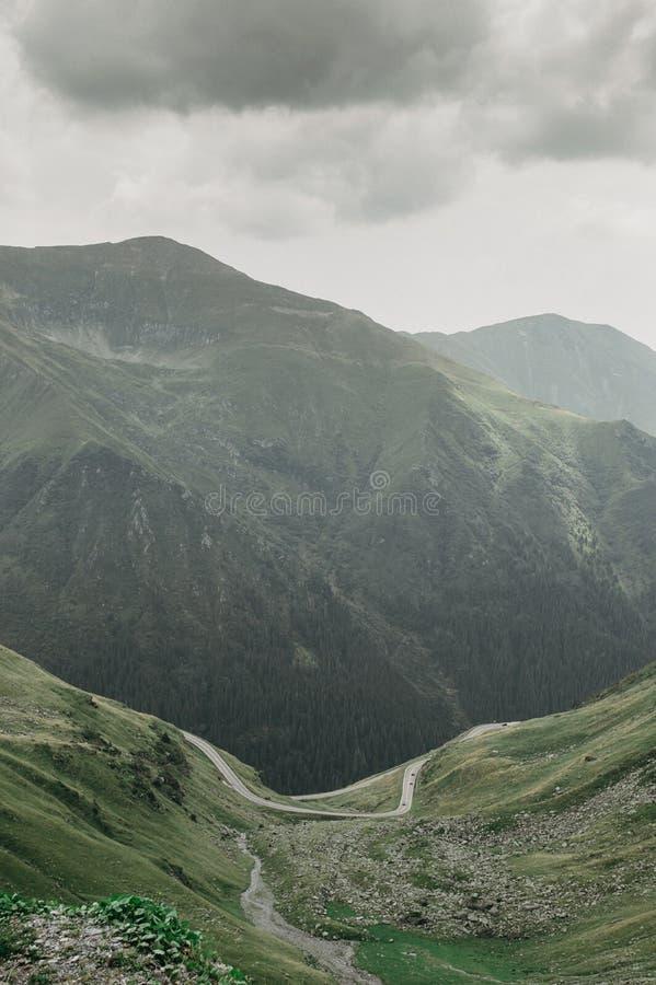 Mening van de bergen royalty-vrije stock afbeeldingen